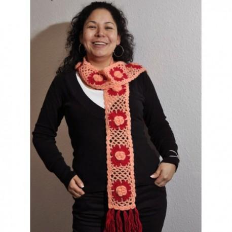 Echarpe crochetée à fleurs